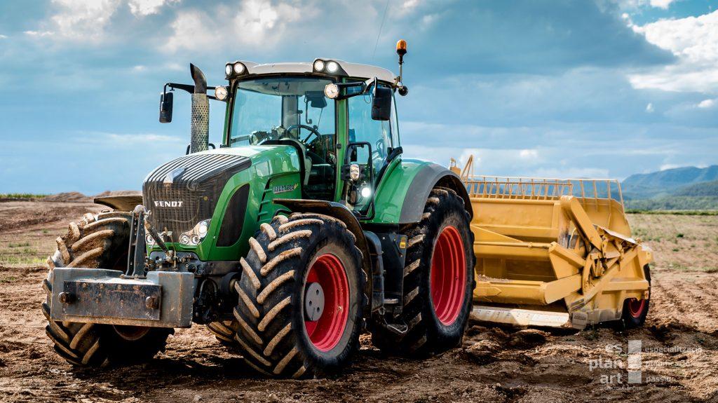 Tractor-1-web