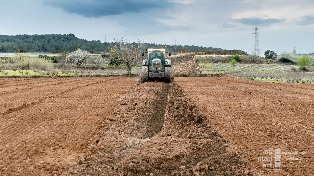 Tractor-3-web